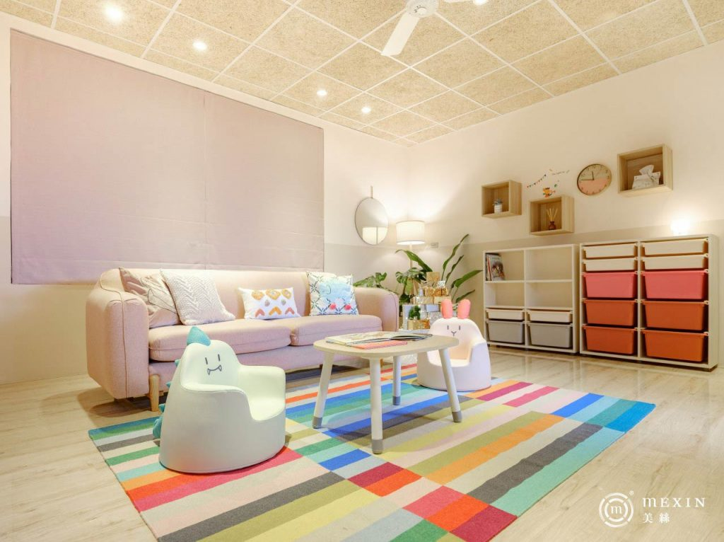 MEXIN與美絲板的生產工廠合作,全額贊助美絲輕鋼架明架板,讓樂活育幼院有嶄新的起居室。(圖片提供/Carol/莯比室內裝修)